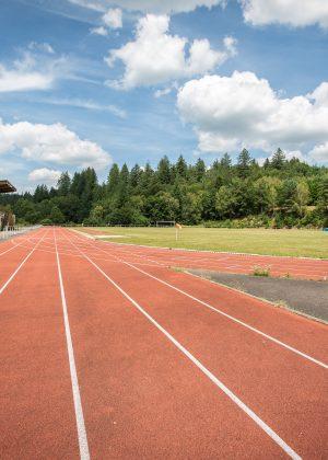 Piste d'atlhetisme Centre sportif espace 1000 Sources